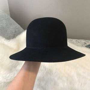 Staring at stars hat